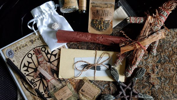Witches Moon Box August 2019