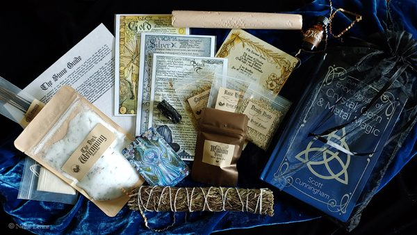 Witches Moon Box for August 2021